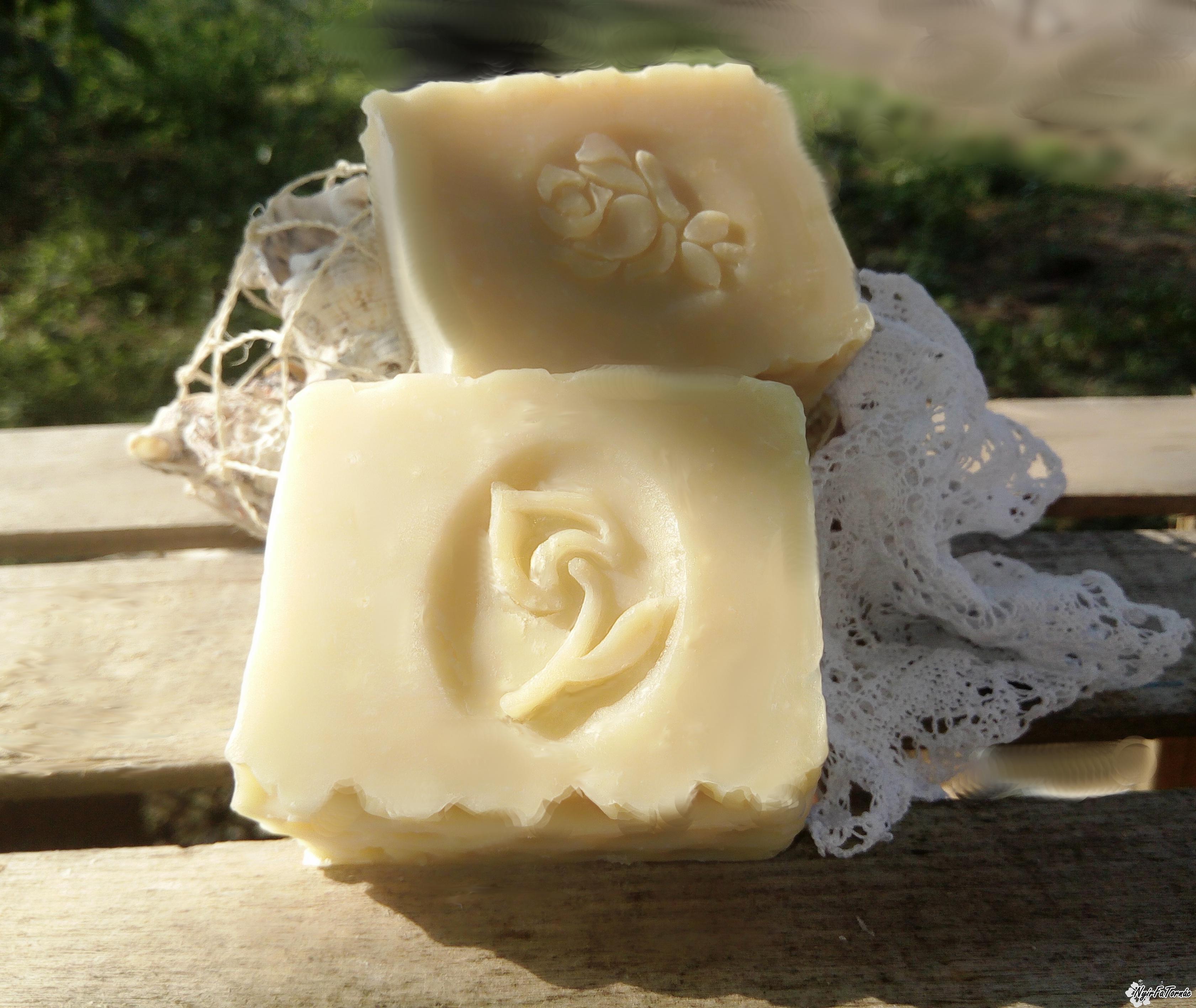 Nyírségi Családi Gyógynövényes szappan – Körömvirágos-mézes szappan